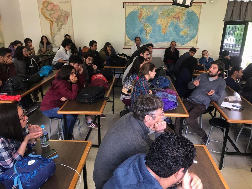 Geología realizó diálogo triestamental sobre situación social del país