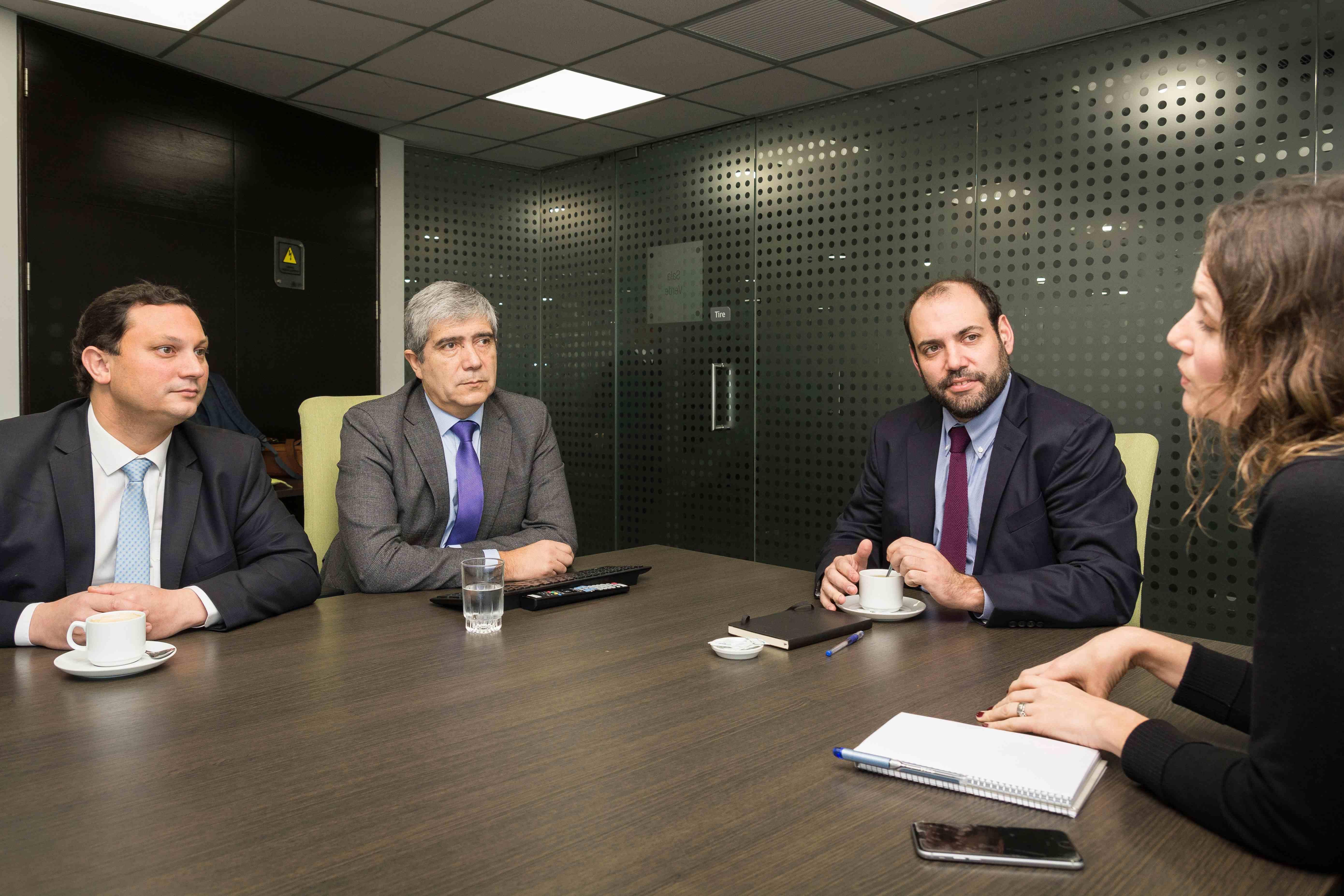 Rector Saavedra presentó avances de Parque Científico y Tecnológico a Subsecretario de Economía
