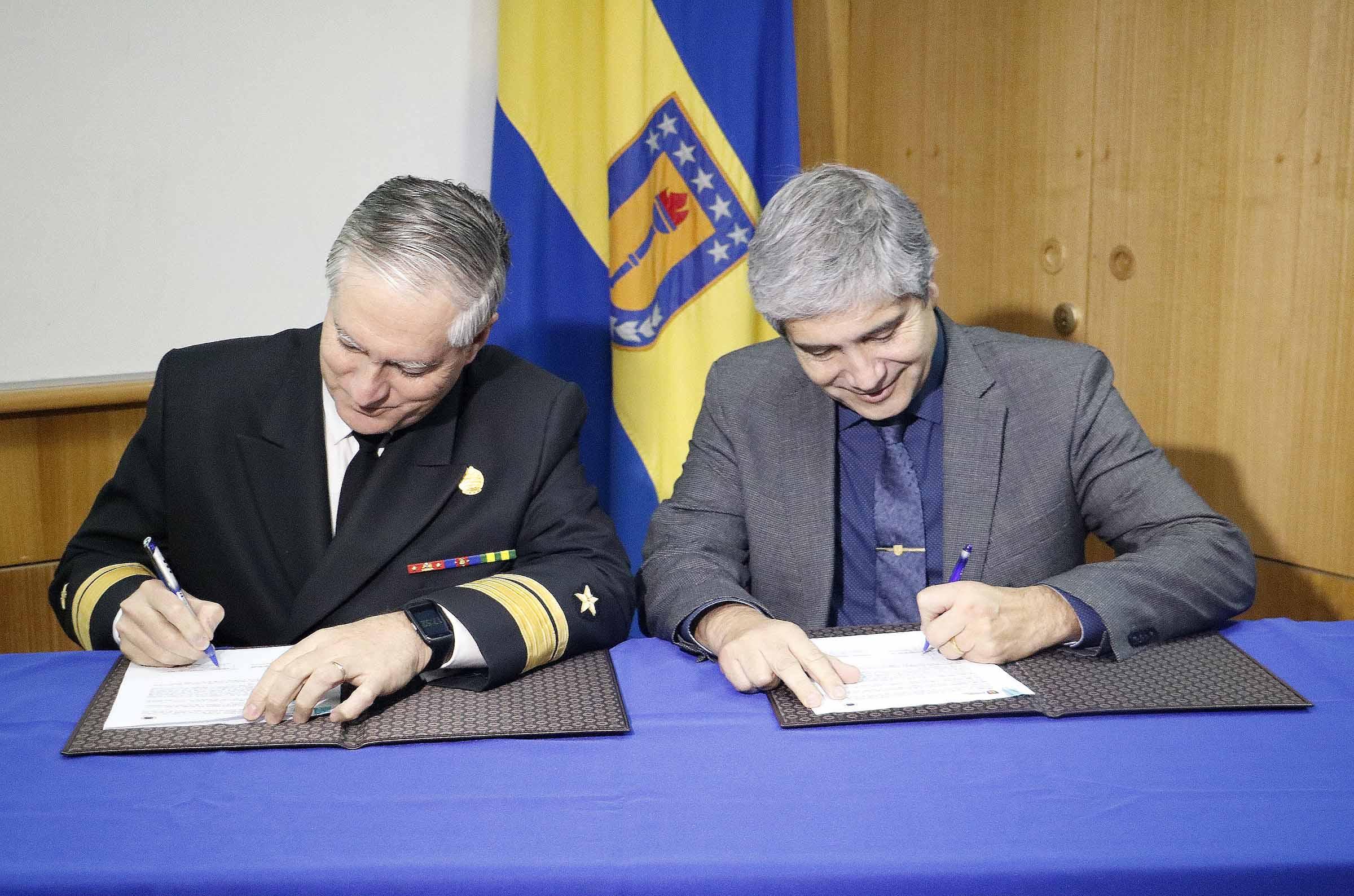 UdeC y Shoa establecen alianza de colaboración en técnicas de detección de tsunamis