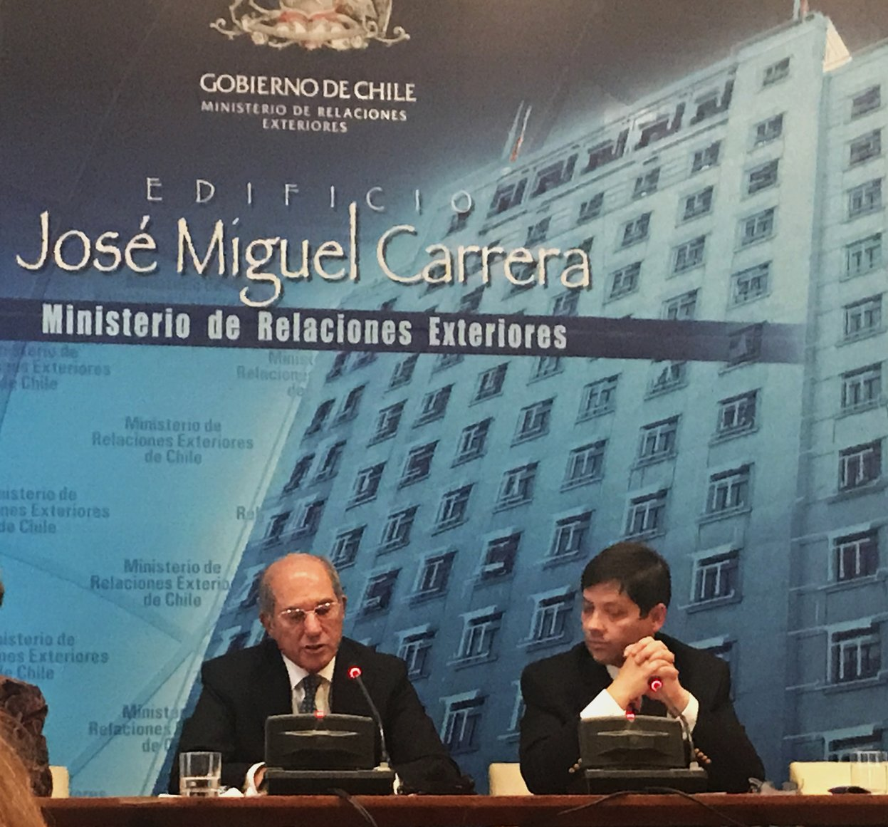 Decano de Ciencias Químicas participó en conferencia sobre prohibición de armas químicas
