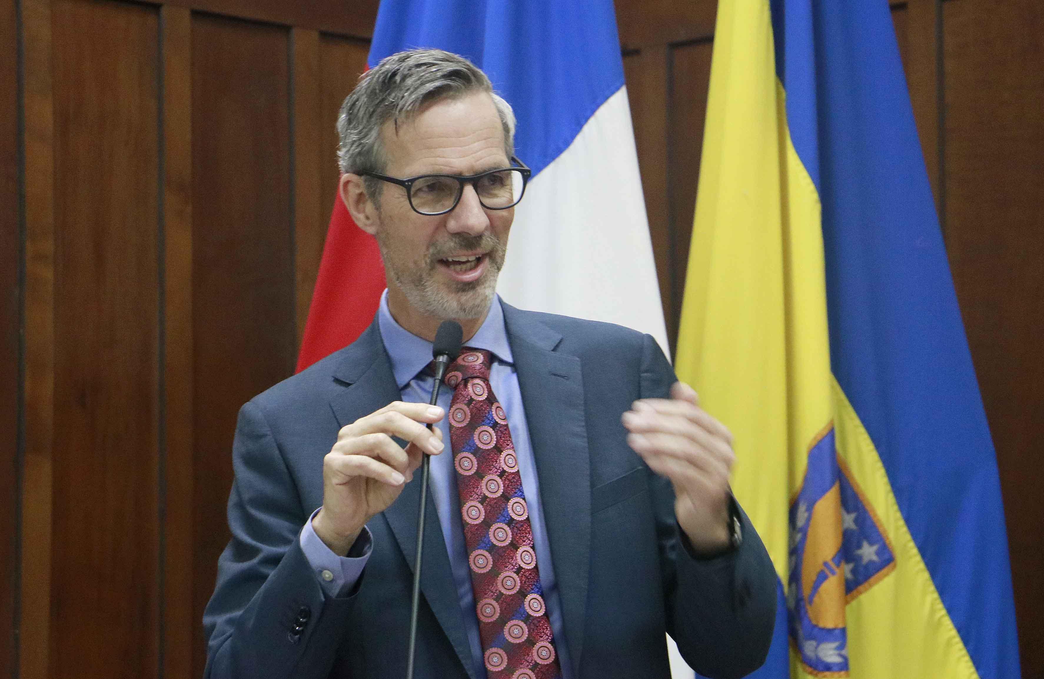 Embajador de Países Bajos expuso la propuesta de su país frente al cambio climático