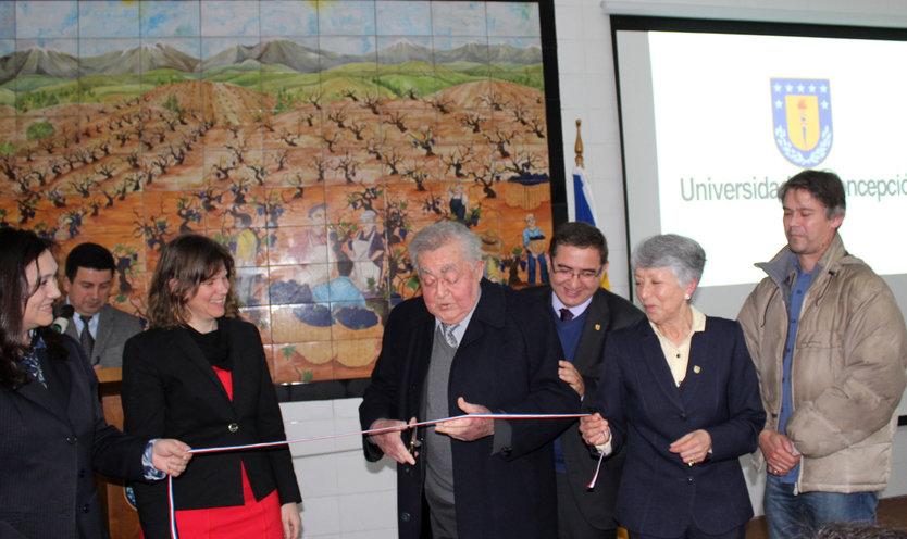 Facultad de Agronomía inauguró Laboratorio de Microvinificación