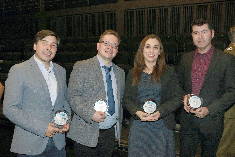Integrantes de la UdeC recibieron reconocimiento por su liderazgo en aniversario de Diario El Sur