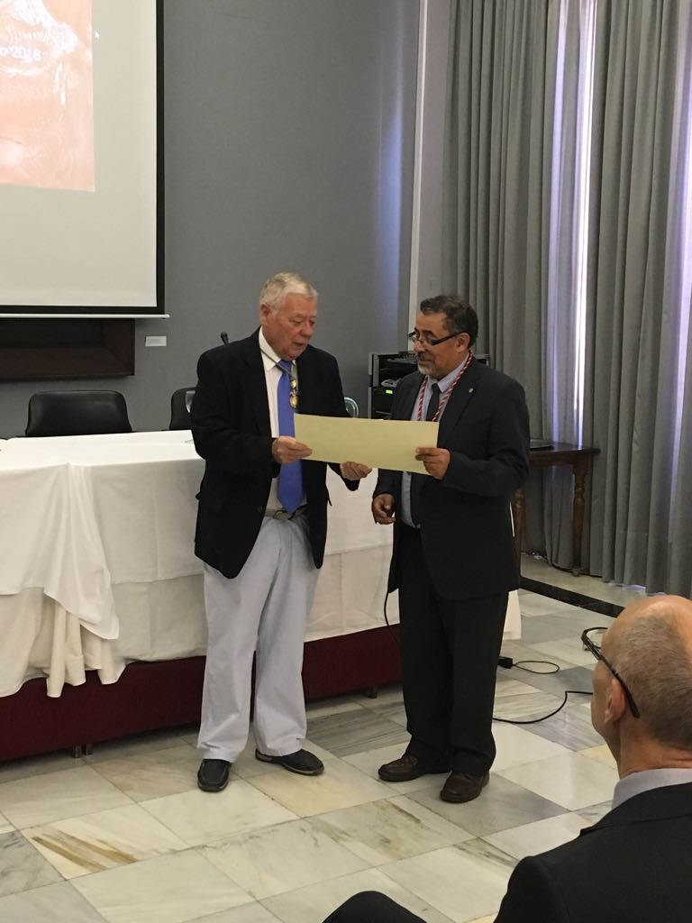 Académico de Agronomía realizó conferencia en España