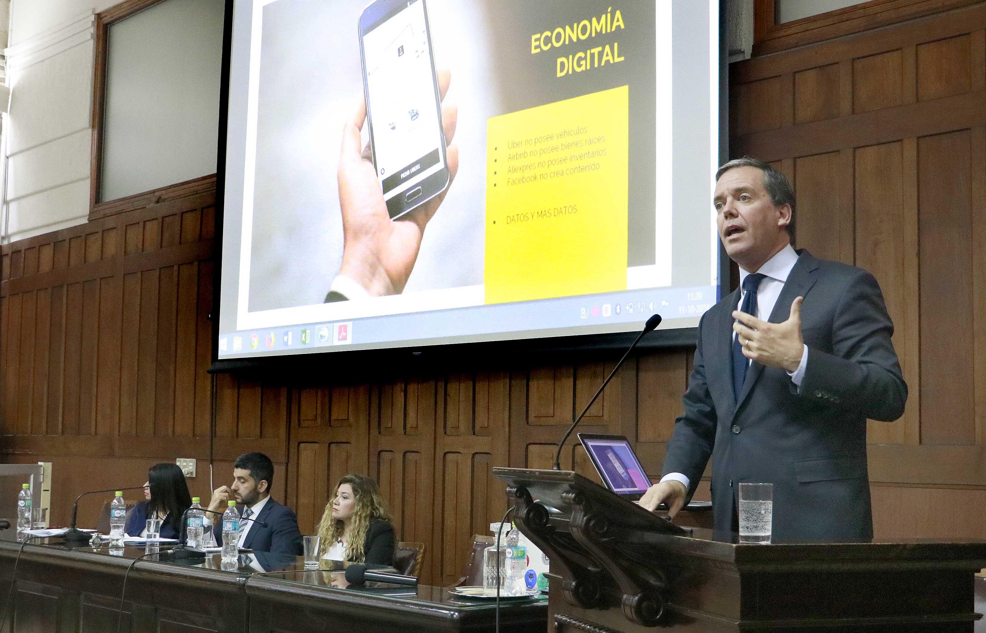 Facultad de Ciencias Jurídicas y Sociales realizó seminario para abordar la protección de datos personales