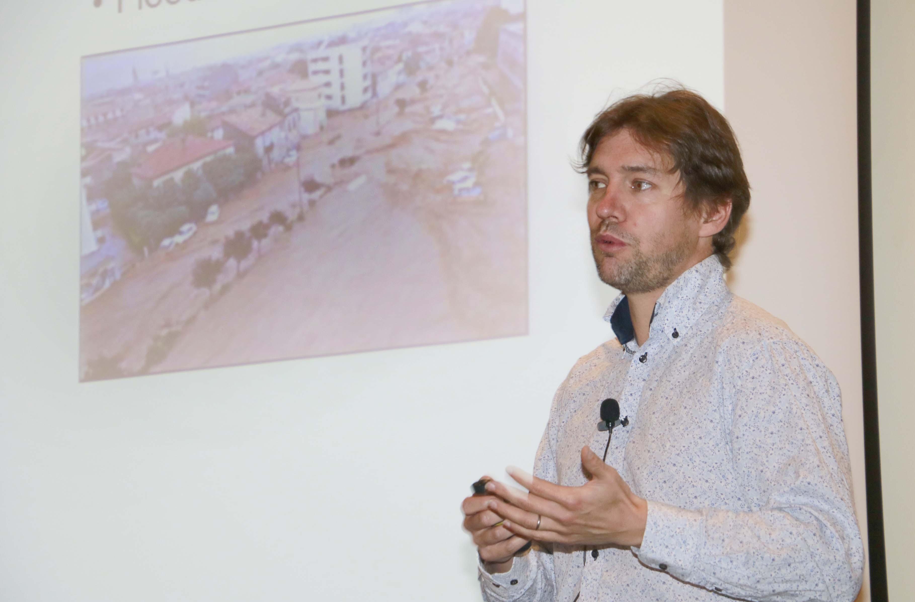 Expertos internacionales se reunieron en seminario sobre socavación de puentes
